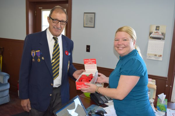 Grimsby Legion President Simon Saulnier and NewsNow General Manager Catherine Bratton
